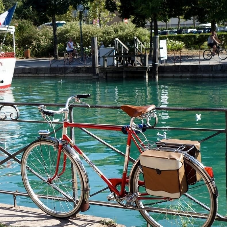 bike-by-water